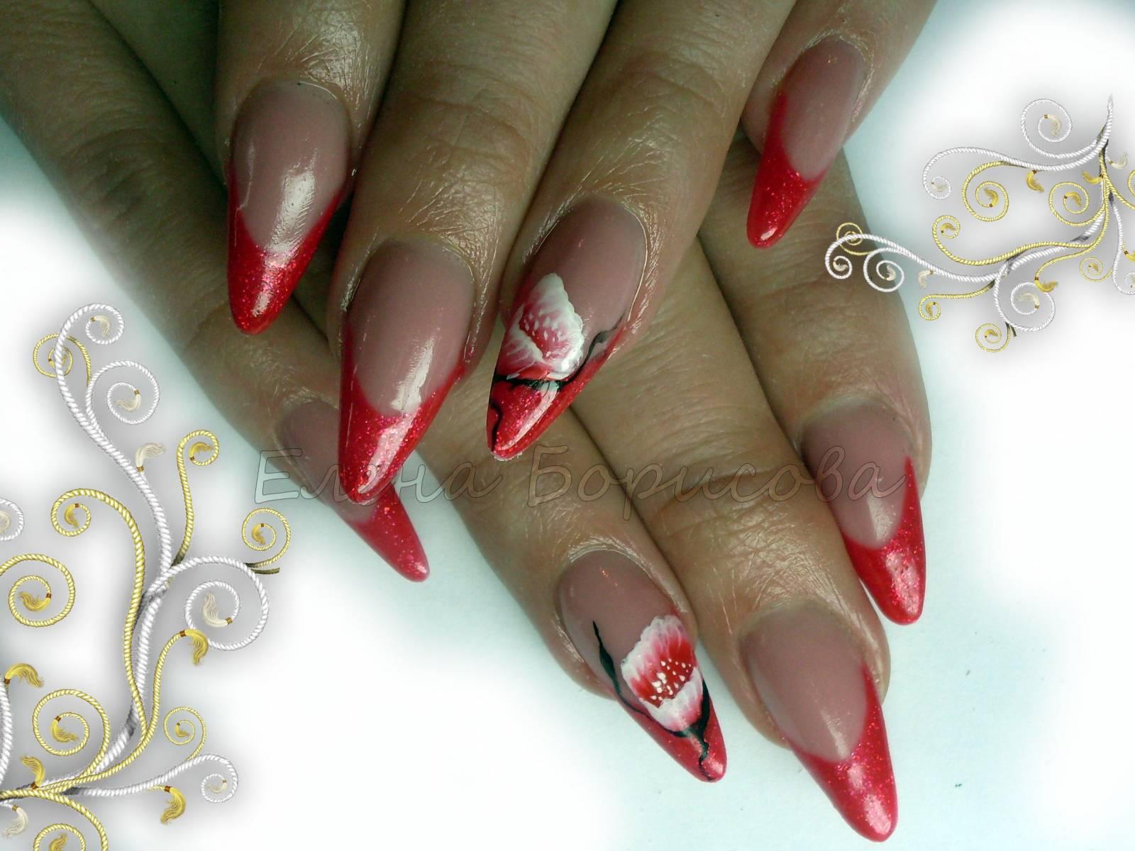 Красные цветы на белом френче фото